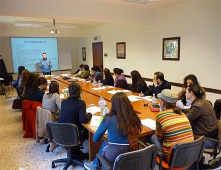 Bando per l'inserimento lavorativo di 60 immigrati a Palermo